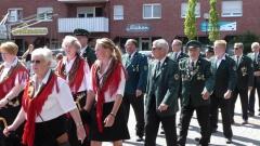 Vor 30 Jahren trugen die Alt-Lotter Schützenschwestern erstmals die Fransentücher. Bild: Ursula Holtgrewe (Noz)